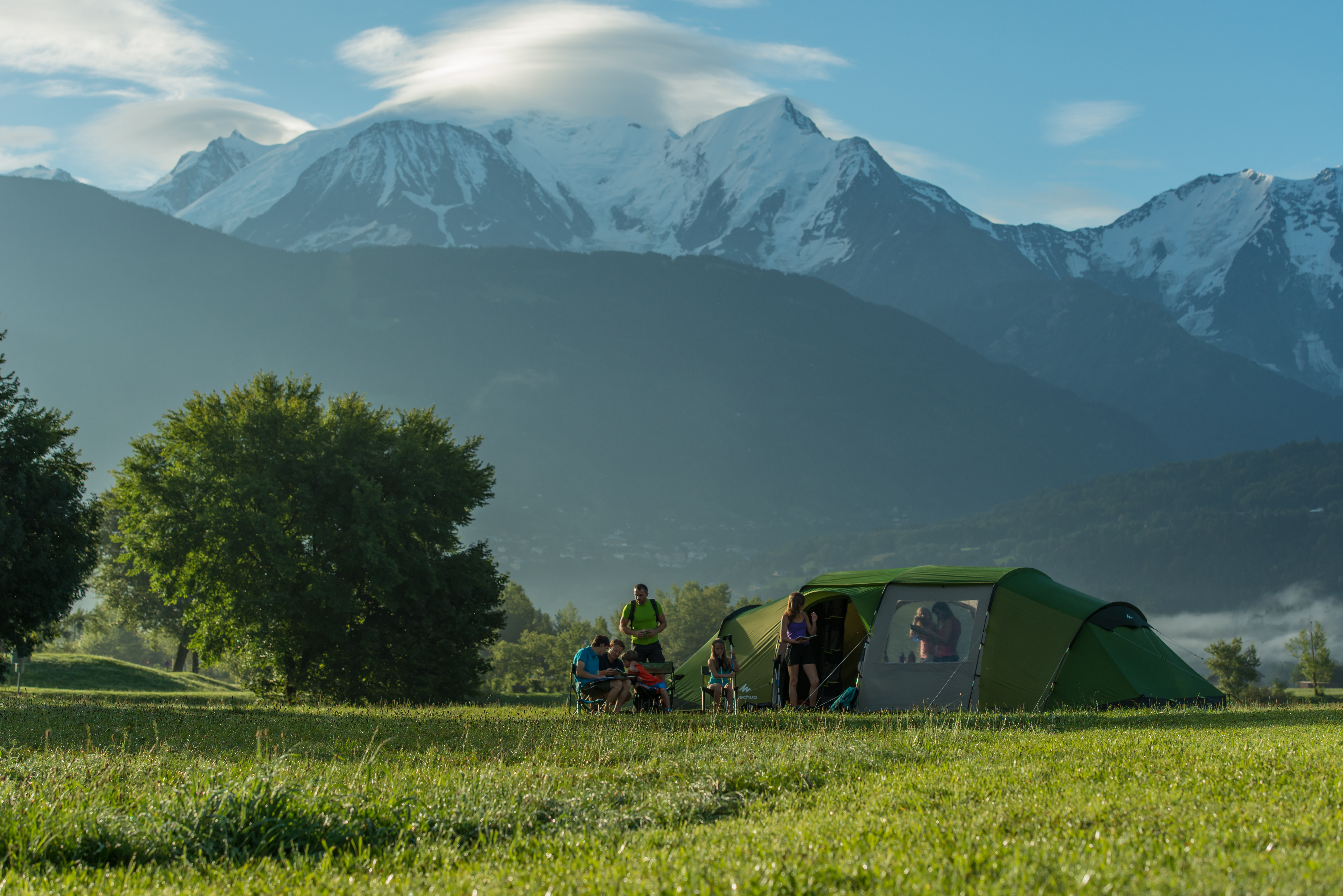 Dağ Eteklerinde Kamp