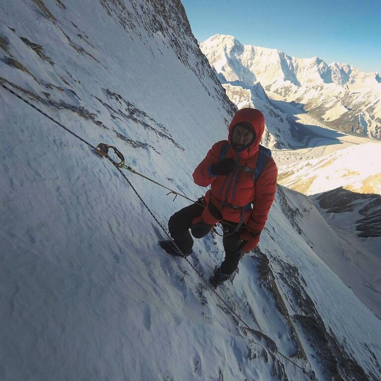 6400m civarı tırmanış