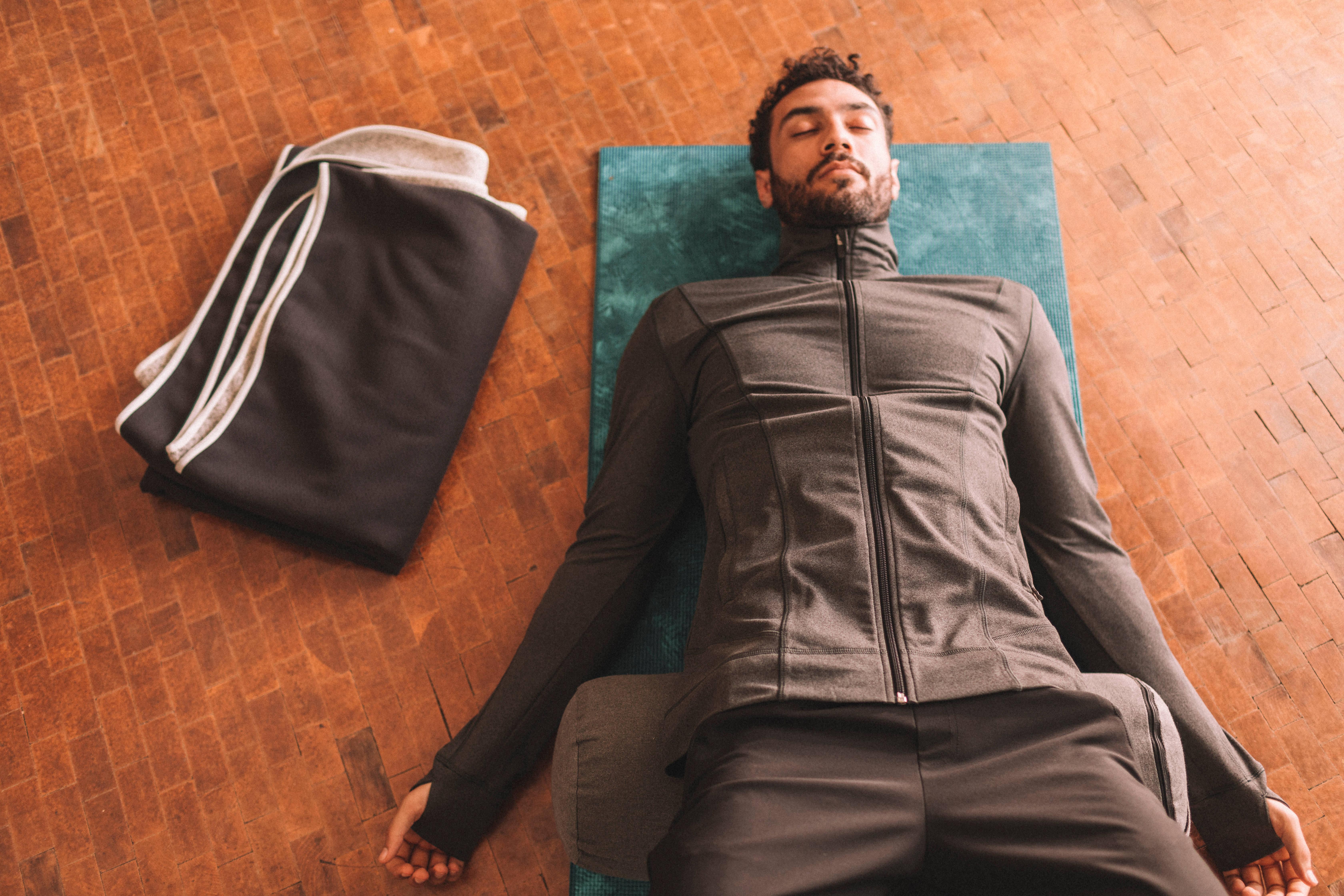 ceset-pozu-yoga